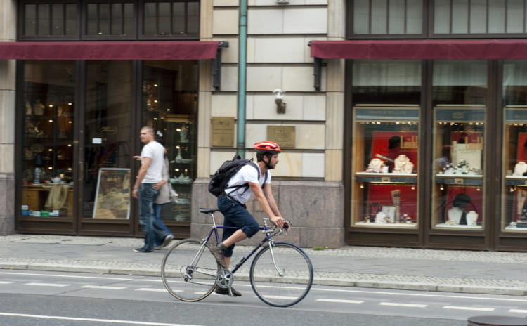 初心者におすすめのロードバイクとは。選ぶポイントやアイテムを重視