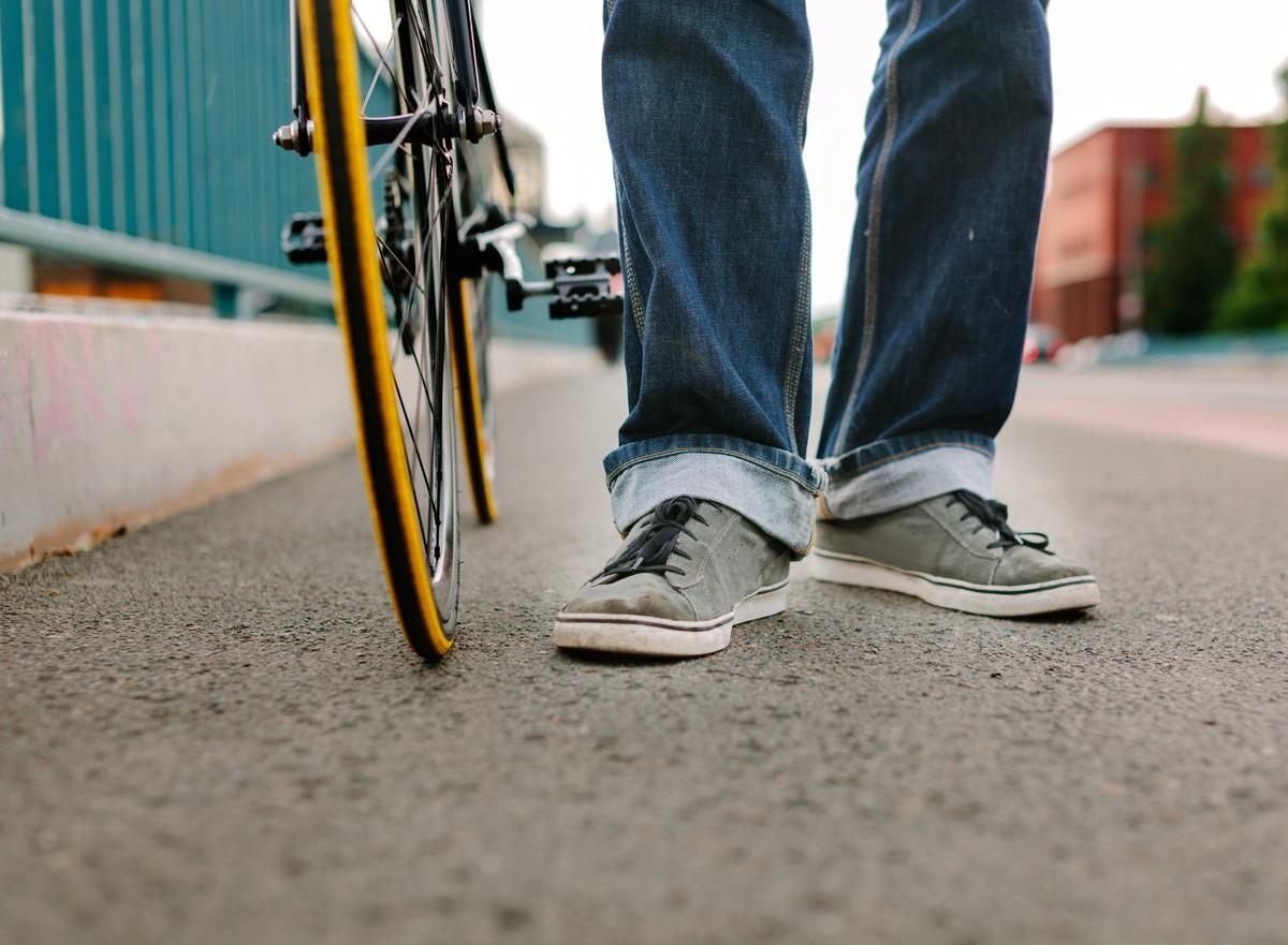 人 自転車