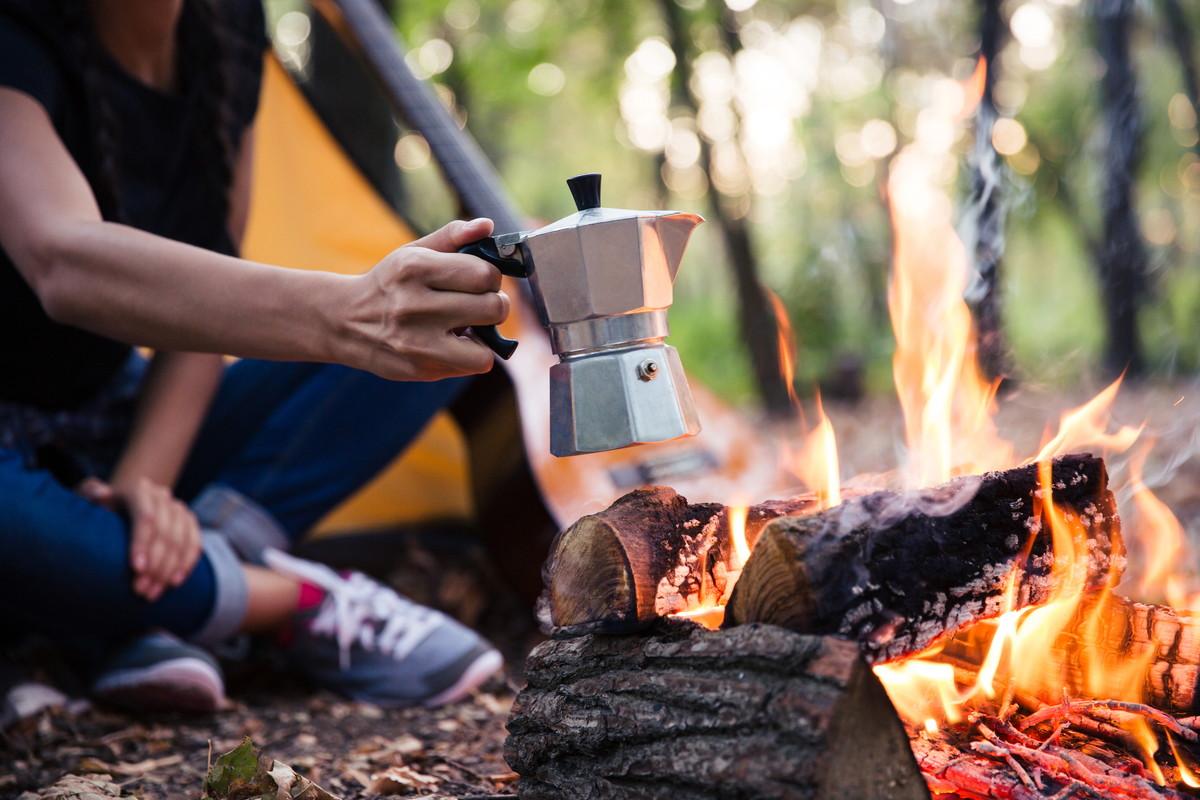 キャンプでおいしいコーヒーを。至福のひとときを味わおう