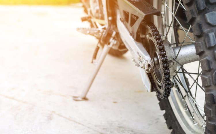 最新バイクモデルでクールに決める大人な男性が選ぶ流行のバイク