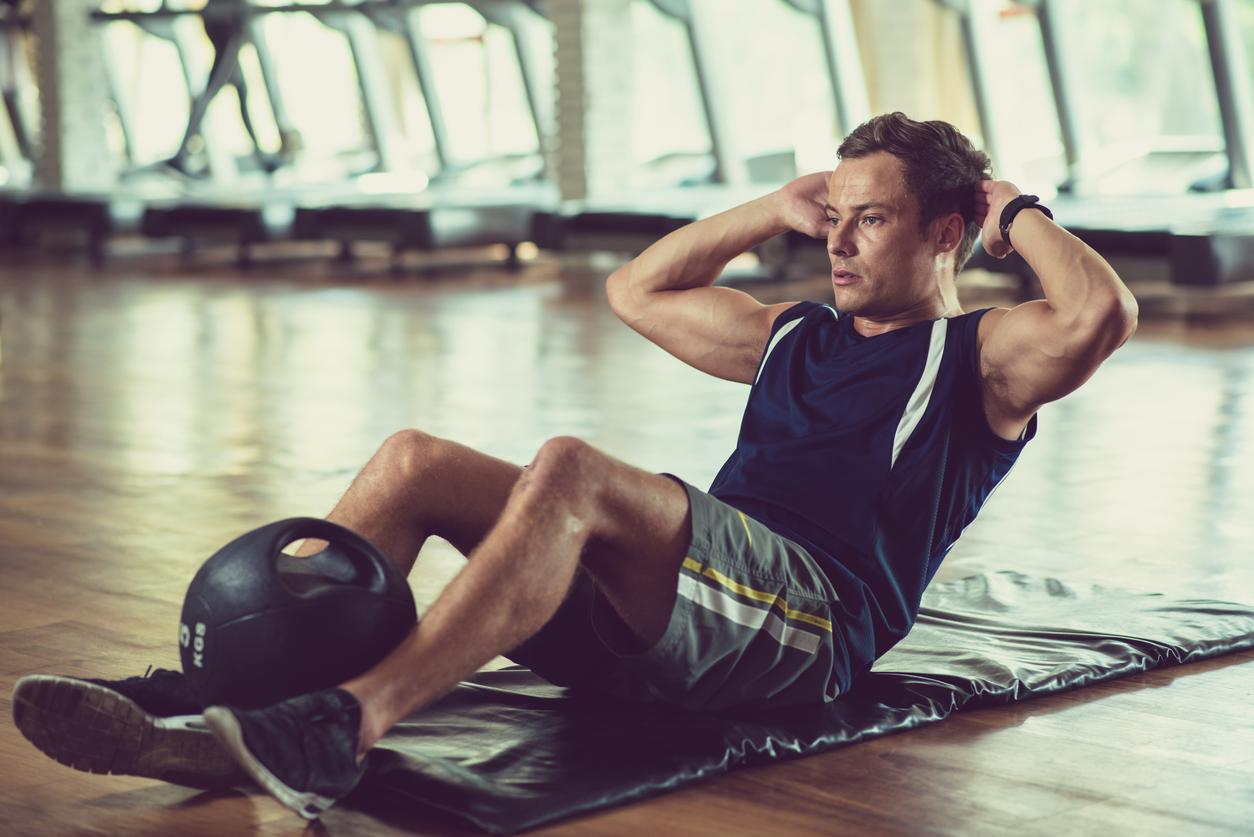 腹筋のズレは治せるのか|腹筋のズレをカバーして理想の体型を作る
