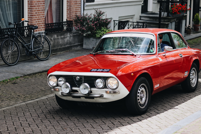 【古い車の魅力】メンテナンス次第で長く愛用でき個性を表現できる